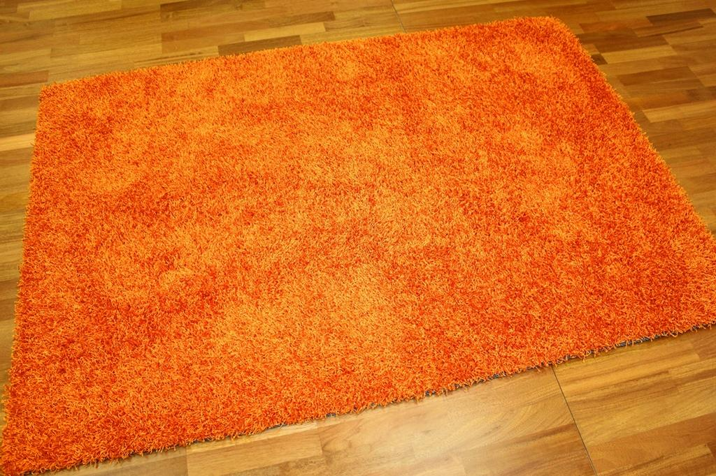 tapis shaggy fancy orange. Black Bedroom Furniture Sets. Home Design Ideas