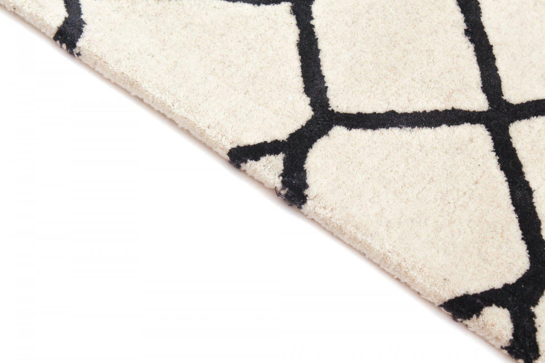 tapis de laine kallith a blanc noir. Black Bedroom Furniture Sets. Home Design Ideas