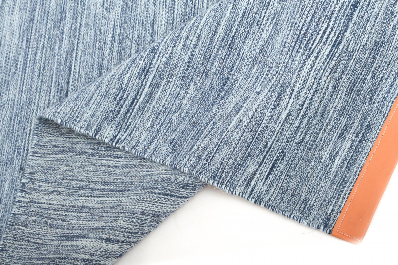tapis de laine galway bleu clair. Black Bedroom Furniture Sets. Home Design Ideas
